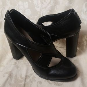 Franco Sarto Black Leather Roam Pump